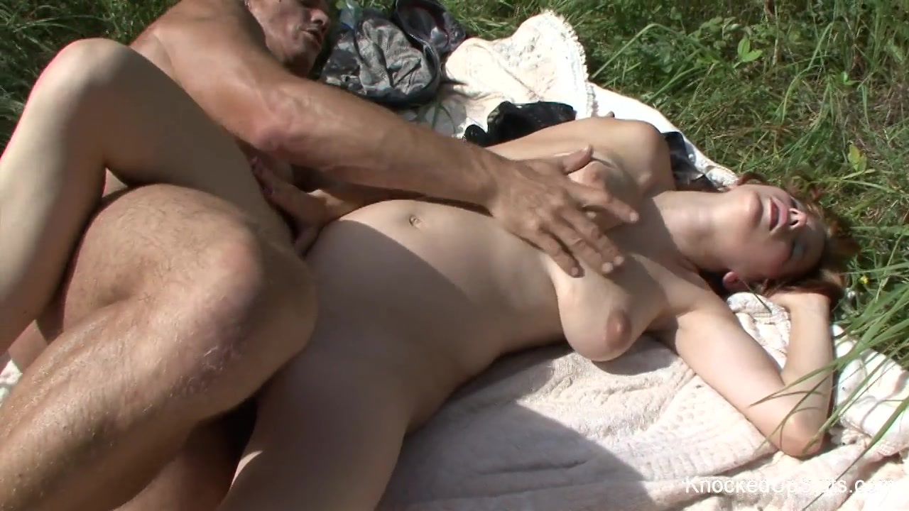 Casting mature cougar se chope un jeunot a la grosse queue - 1 part 1