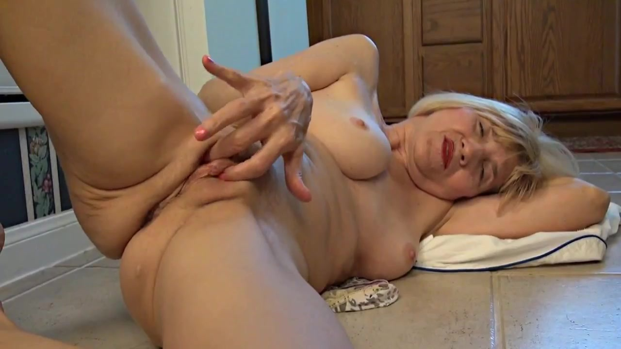 Amateur threesome 282 - 1 part 2