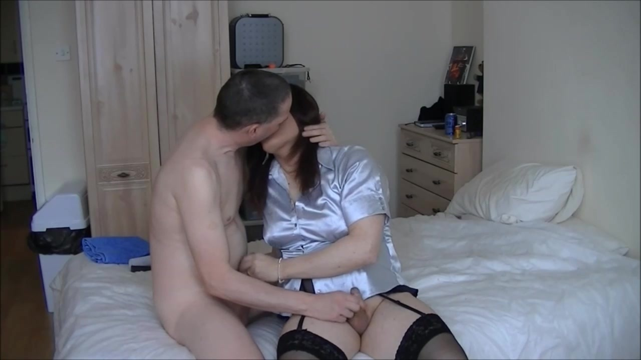 Salope brune sperme comme une chienne defonce anal 3