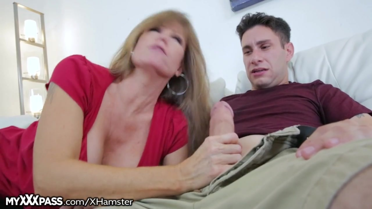 Strict milf checks if her boy has been studying 10